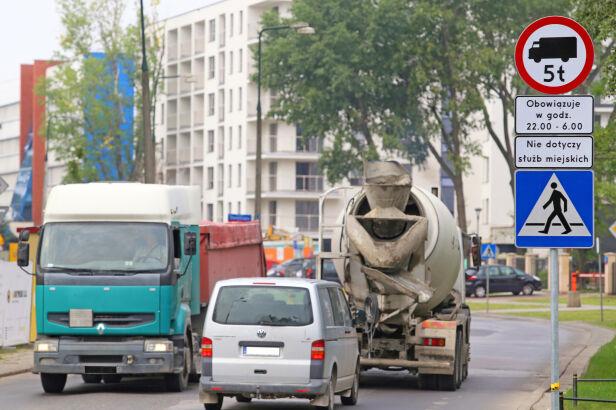 Ciężarówki na Odolanach (zdj. archiwalne) UD Wola