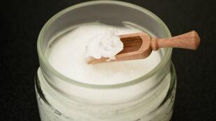 """Olej kokosowy to """"czysta trucizna"""". Lepiej go nie nadużywać"""